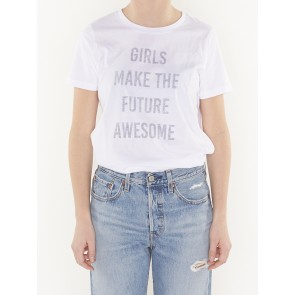 GIRLS MAKE THE FUTURE AWESOME